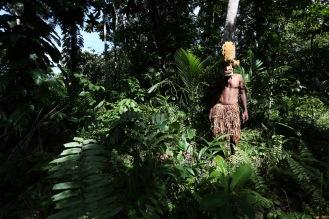Bryan Sagori, sculpteur, Papouasie Nouvelle Guinée